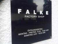 Im schönen Schmallenberg findet sich der Werksverkauf der Strickwarenfirma FALKE